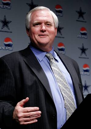 WADE PHILLIPS (above) was able to turn the Cowboys around this season.